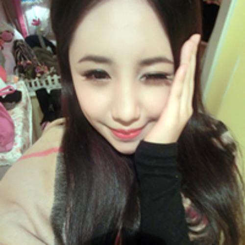 Emily toto's avatar