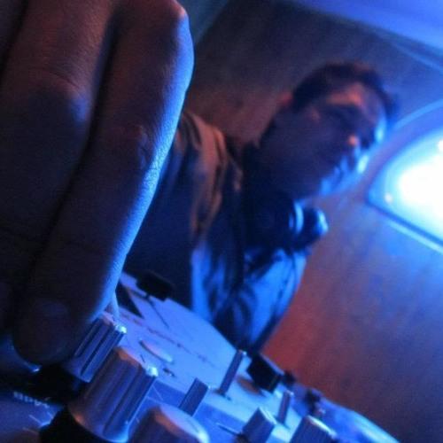 Iván Cesariny's avatar
