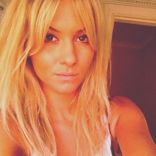 Ashleigh Ellen Hughff's avatar