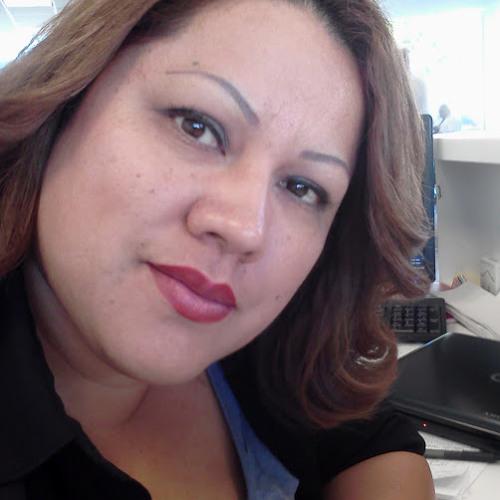Lydia Contreras's avatar