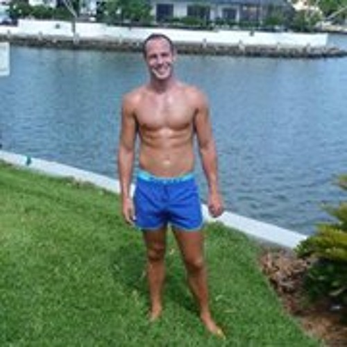 Ryan Dominic Booth's avatar