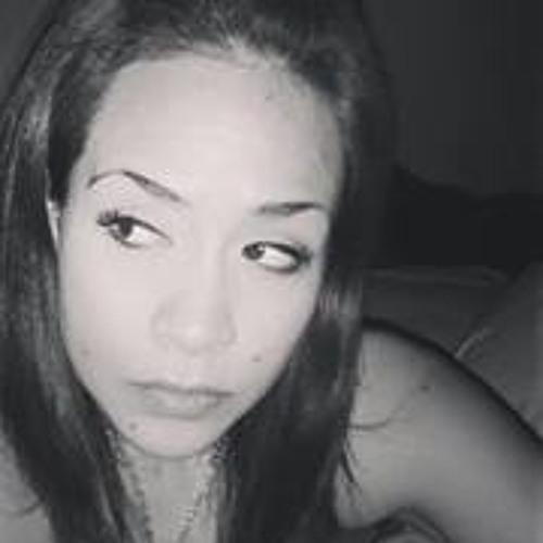 Nadia LC's avatar