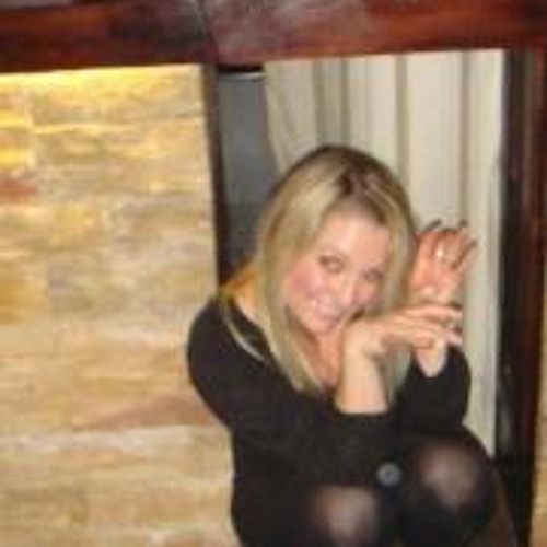 Ellie Broadbank's avatar