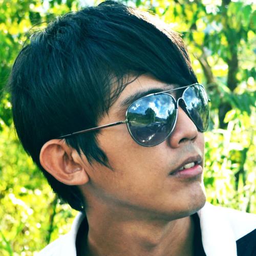 Ady Hamzah's avatar