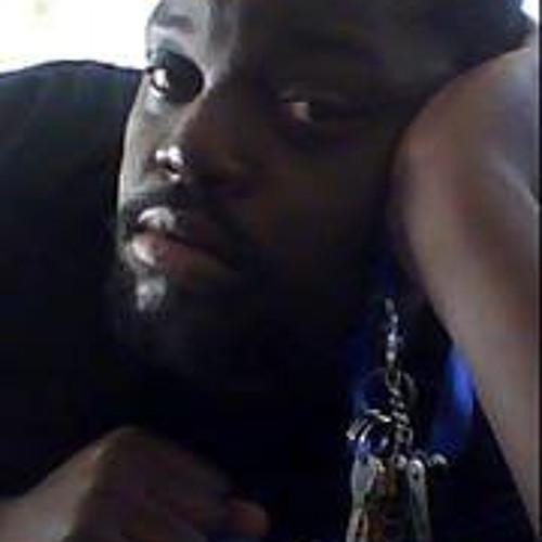 Steven Kayiira's avatar