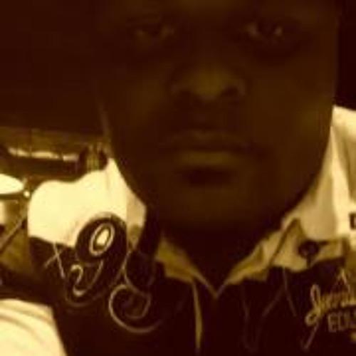 Handsum J Laster's avatar