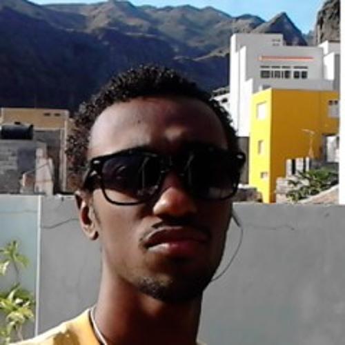 Kavera Gomes's avatar