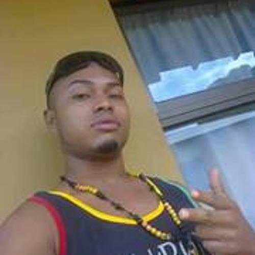 Kenneth Viquez's avatar