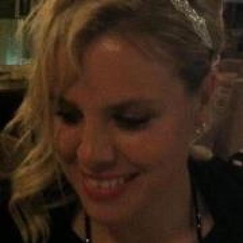 Lara von Ziegler-Smith's avatar
