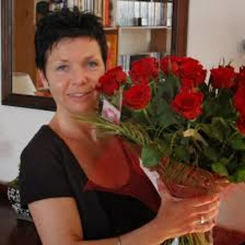 Evelyn Love°'s avatar