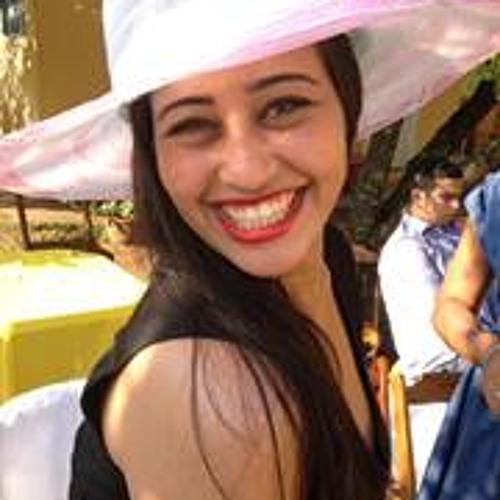Tamires Estevam's avatar