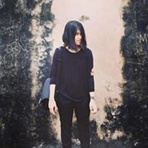 Meutia Ananda's avatar