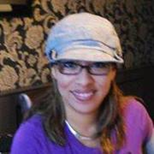 Luz Zea's avatar