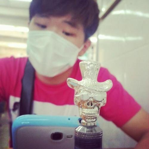 yanG~less_in'club's avatar