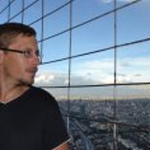 Dominik Theile's avatar