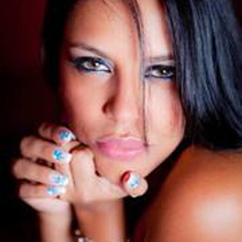 Janaina Rodrigues 14's avatar