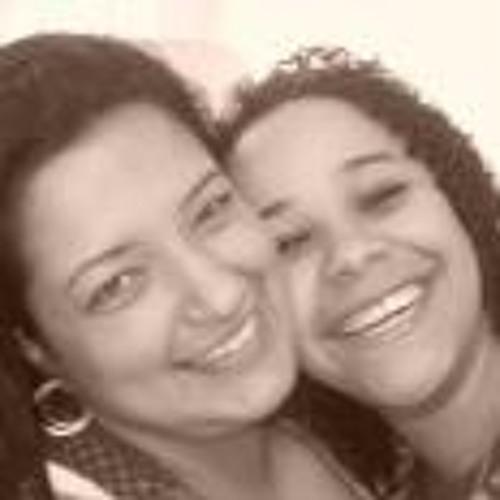 Paula Menezes de Oliveira's avatar