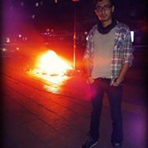 Adrian Khatibi's avatar