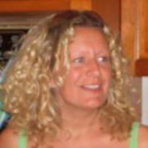 Robyn Newby's avatar