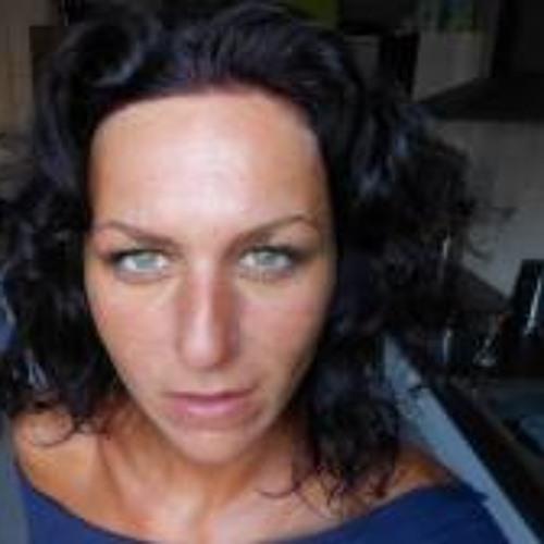 Martina Buriankova's avatar