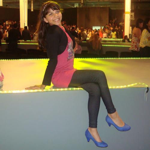 Julia Ribeiro 18's avatar
