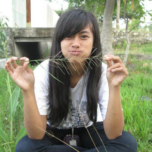Tri Yana Pratiwi's avatar