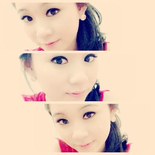 Felicia Tanzil's avatar