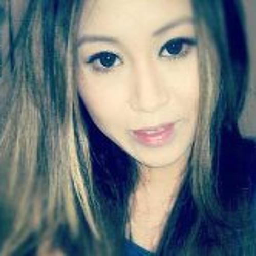 Ena Ly's avatar