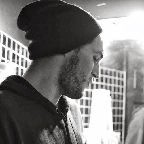 DESIRE.'s avatar