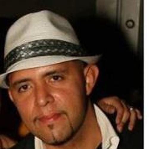Oscar Romeo Sanchez's avatar