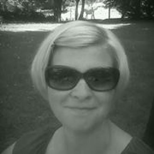 Daniela Gniremllov's avatar