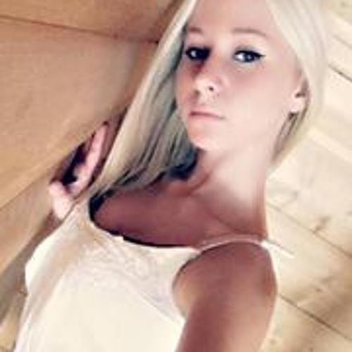 Shelly Caroll's avatar