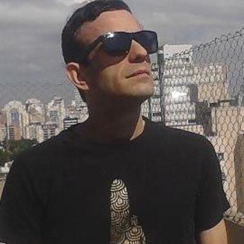 Dj ChiarixxX's avatar