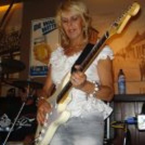 Marinet Verhagen's avatar
