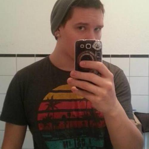 Matthias Lucas's avatar