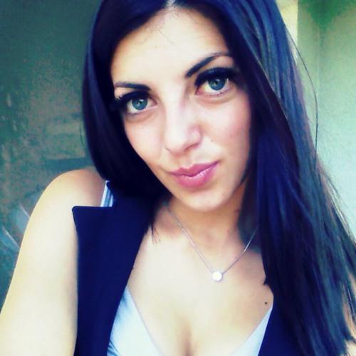 Daniella KN's avatar