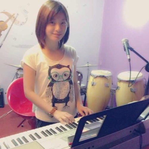 Yuzzin Tam's avatar
