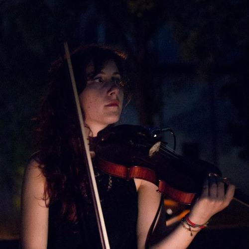 Lucia Violetta's avatar