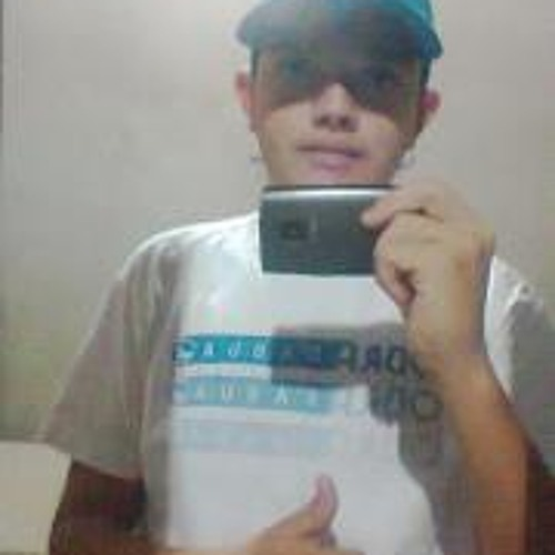 Robert Santos 21's avatar