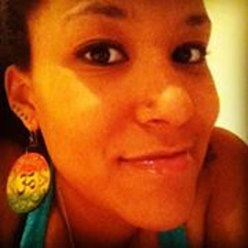 Megui Mariane Coutinho's avatar