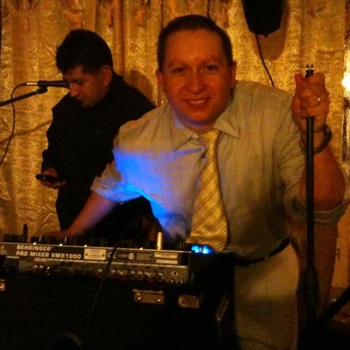 Mauricio P Alvarado's avatar