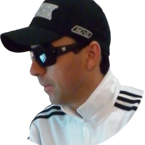 Lu Gonçalves's avatar