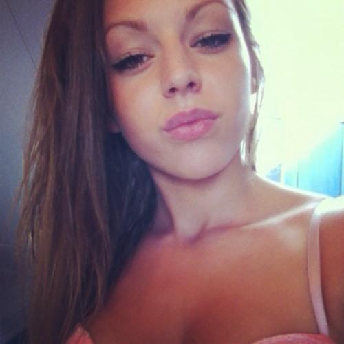 Clémence_Perreo's avatar