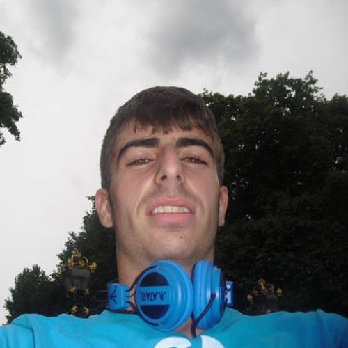 Alvaro Perez 20's avatar