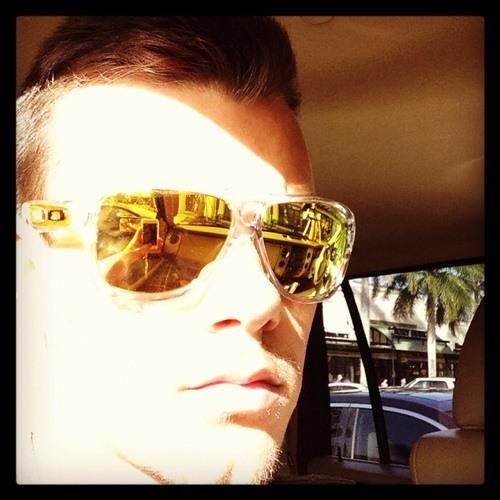 Lucas Vianna's avatar