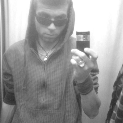 {_-=Davy-Jones=-_}'s avatar