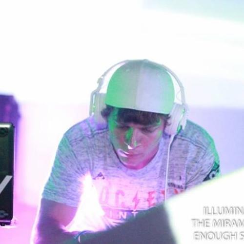 DJ RyRy's avatar