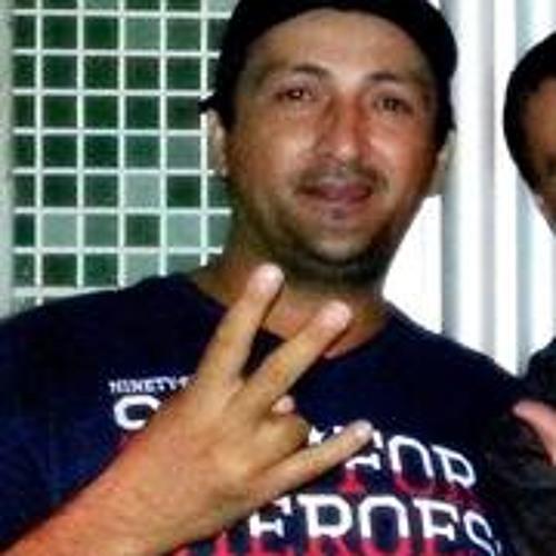 Carlos André 57's avatar