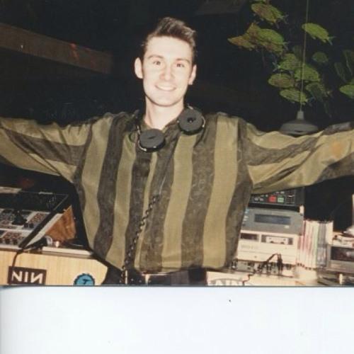 DJ Rob Svarz's avatar