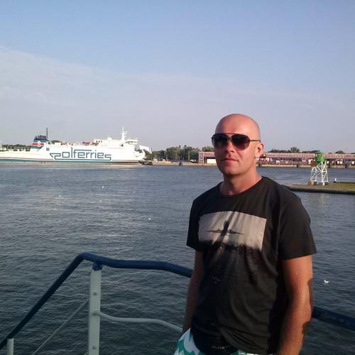 ralfovski's avatar